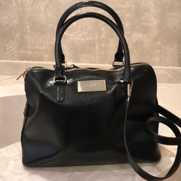 Dkny Handbags - Black DKNY HANDBAG